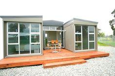 NZ 3 Container House - front - Lindo ejemplo de diseño de una casa con pocos contenedores: