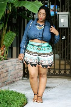 Miami style: culottes and makeshift crop tops style chic 360 style chic 360 Crop Top Styles, Plus Size Crop Tops, Curvy Plus Size, Miami Fashion, Look Fashion, Fashion 2015, Plus Size Dresses, Plus Size Outfits, Miami Mode