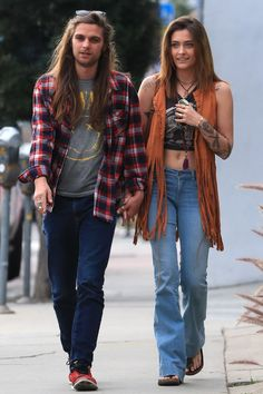 Paris Jackson Steps Out for the First Time Since Seeking Treatment for Mental Health Michael Jackson Daughter, Prince Michael Jackson, Janet Jackson, Mj Kids, Paris Outfits, Paris Jackson, Jackson Family, Woman Standing, Paris Fashion