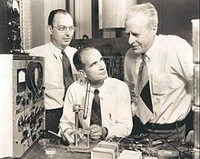 The Bell Labs team of John Bardeen, Walter Brattain and William Shockley won the 1956 Nobel Prize in Physics for their work in developing transistors. See more electronic parts pictures. Big Data, Nobel Prize In Physics, Today In History, University Of Wisconsin, Bellini, Change The World, Science And Technology, Digital Revolution, Lovers