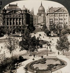 Szabadság Tér, (Freedom scuere) Budapest, Hungary c. Old Pictures, Old Photos, Capital Of Hungary, Austro Hungarian, Houses Of Parliament, Capital City, Heritage Site, Historical Photos, London England