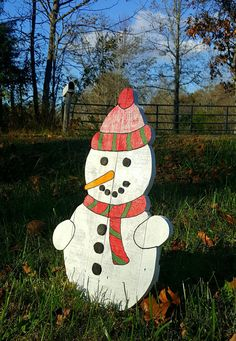 Pallet snowman Outdoor snowman Christmas by ThreeLeafsWoodworks