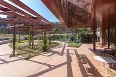 Ladrillo Eco Manual Rojo y Ladrillo Eco Manual Levante de Piera Ecoceramica. Celosía Cerámica Pergola, Barcelona, Outdoor Structures, Brick, Red, Outdoor Pergola, Barcelona Spain, Arbors, Pergolas