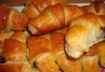 Puha karácsonyi kiflik, különleges lekváros töltelékkel! Poppy Cake, Hot Dog Buns, Biscotti, Sweet Potato, Sausage, French Toast, Muffin, Goodies, Yummy Food