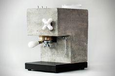 Deze espressomachine ziet eruit als een blok beton, maar zet een heerlijk kopje koffie - Manners Magazine