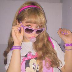 Kawaii fashion ~☆彡 Fairy Kei ☆彡 Decora ~ Kawaii style ~ j fashion ~ harajuku fashion ~ gyaru ~ fairy kei ~ lolita fashion ~ gothic lolita ~ pastel goth ~ japanese fashion ~ pop kei ~ sweet lolita Harajuku Mode, Harajuku Fashion, Kawaii Fashion, Lolita Fashion, Bad Girl Aesthetic, Retro Aesthetic, Poses, Look 80s, Flipagram Instagram