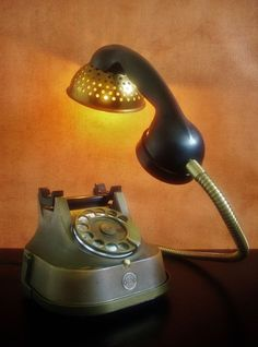 Catawiki online auction house: Nescio - Steampunk Telephone Lamp - 'Light up your words'