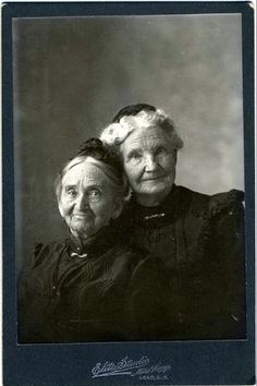 Sisters? I love their expressions and pose. More like her at https://www.pinterest.com/yrauntruth/grow-up-age-croning/