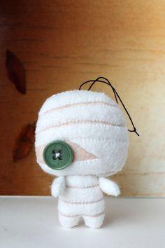 PDF Pattern Felt Mummy Halloween Ornament by typingwithtea Felt Monster, Monster Dolls, Ugly Dolls, Creepy Dolls, Cute Crafts, Felt Crafts, Sewing Crafts, Sewing Projects, Felt Patterns