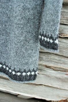 Sweater Knitting Patterns, Grey Sweater, Towel, Sweaters, Diy, Color, Bricolage, Towels, Sweater