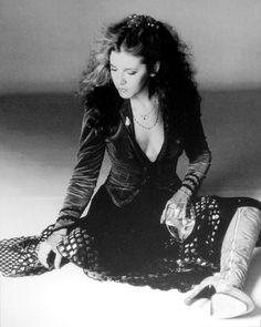 Stevie Nicks,, love her style ♥ Buckingham Nicks, Lindsey Buckingham, Stephanie Lynn, Stevie Nicks Fleetwood Mac, Janis Joplin, Rockn Roll, Look Vintage, Her Music, Music Mix