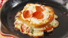 #Recipe #Foodie:#Pizza Grilled #Cheese is Probably the Best Thing You'll Ever Make.Prepare to fall for this saucy sandwich.