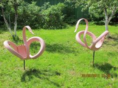 Nicely done flamingos. Learn how to work with tires to make great things at http://shop.tirecrafting.com/