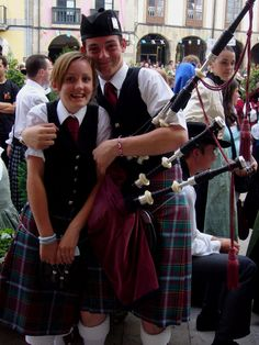bagpiper friendship--Pitlochry and Blair Atholl Pipe Band