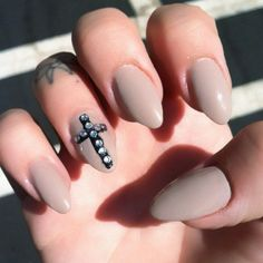 accent nail cross