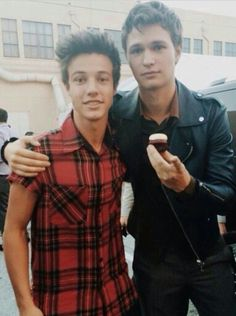 Two of my favorite guys in one picture. Ansel Elgort and Cameron Dallas ♡ Ansel Elgort, Cam Dallas, Cameron Dallas, Magcon Family, Magcon Boys, Cameron Alexander Dallas, Bae, Vine Boys, Carter Reynolds