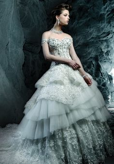 Editor's Pick: Ysa Makino Wedding Dresses. http://www.modwedding.com/2014/03/21/editors-pick-ysa-makino-wedding-dresses/ #wedding #weddings #fashion