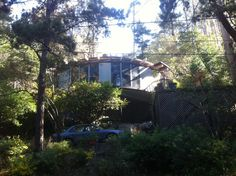 Another in the Oakland hills with a flat roof. This one is on Saroni Oakland Hills, Round House, Flat Roof, Aquarium, Houses, Architecture, Goldfish Bowl, Homes, Arquitetura