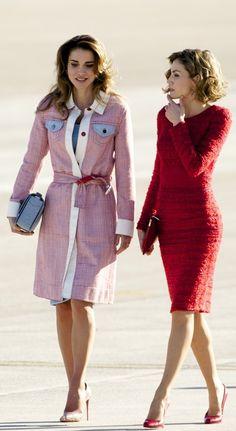 A Lightweight, Linen Jacket You Can Work as a Dress