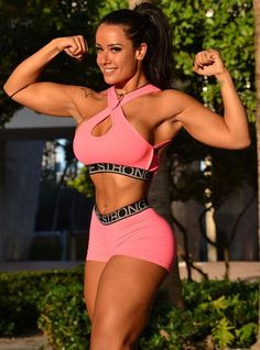 Brazilian WBFF Pro Diva Fitness Model Sue Lasmar http://hubpages.com/sports/Female-Fitness-Models-and-Female-Fitness-Competitors-2
