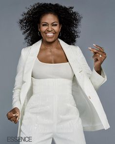 """2018 - Michelle Obama I'm not going to lie: It wasn't always easy for me."""" Michelle Obama spoke TRUTH in the issue of ESSENCE. Michelle Obama Quotes, Michelle Et Barack Obama, Michelle Obama Fashion, Barack Obama Family, Obamas Family, Joe Biden, Durham, Estilo Fashion, My Black Is Beautiful"""