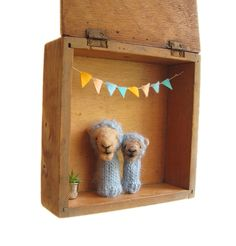 Felted Camel Finger Puppets a Vintage Shadow Box