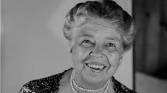 30 Eleanor Roosevelt Quotes to Unleash Your True Courage Ronald Reagan Quotes, Marcus Aurelius Quotes, Eleanor Roosevelt Quotes, Unforgettable Quotes, Churchill Quotes, Famous Quotes About Life, Live Life Happy, Motivational Images, Inspirational Quotes