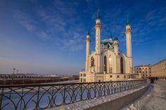 Казань Город с тысячелетней историей не зря называют столицей миров. Казань - столица парадоксов. Например, здесь находится самое маленькое метро в мире.