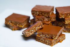 Mars Bar Slice A delightful food gift, this slice of heaven is a timeless favourite and crowd-pleasing treat in its simplicity. Bar Mars, Mars Bar Slice, Jelly Slice, Chocolate Slice, Chocolate Heaven, Coconut Slice, Christmas Food Gifts, Christmas Cooking, Buttery Biscuits