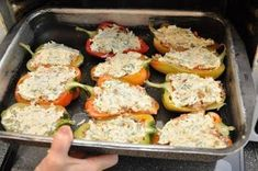 Chicken in pepper Russian Recipes, Salmon Burgers, Potato Salad, Chicken Recipes, Good Food, Food And Drink, Cooking Recipes, Stuffed Peppers, Meals