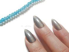 olographic silver grey gray stiletto nails glue on almond wedding bridal false nails christmas sexy pointy fashion acrylic lasoffittadiste (7.14 EUR) by LaSoffittaDiSte