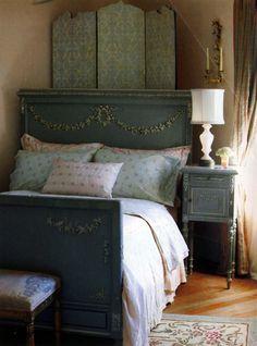 Antique Bedroom Furniture | Beds