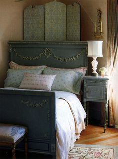 1009 best antique bedroom furniture beds images rh pinterest com