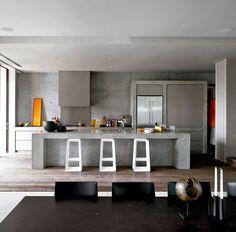 Interior Designer Australia Sorrento 003  Timber floor, concrete bench & walls
