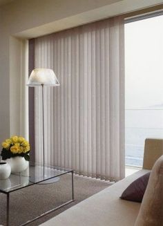 Modernas e práticas. Vertical Window Blinds, Blinds For Windows, Live Your Home, Small House Interior Design, Front Rooms, Cool Rooms, Window Coverings, Modern Decor, Curtains