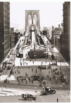 Vintage Modern 1945 Brooklyn Bridge, New York City `