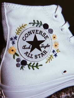 VSCO: Audreyywu -You can find Custom converse and more on our website. Broderie Anglaise Fabric, Diy Bordados, Embroidery Patterns, Hand Embroidery, Diy Embroidery Shoes, Embroidery Stitches, Diy Fashion, Ideias Fashion, Flower Fashion