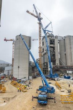 The construction of HeidelbergCement's new clinker production facility in Schelklingen, Germany has utilised a Liebherr 1000 EC-H 50 Litronic tower crane. The crane was assembled by two Liebherr mobile cranes LTM1500 and LTM1100, provided by Felbermayr subsidiary Wimmer Maschinentransporte.