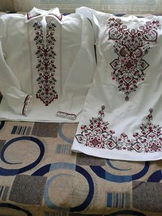 This Pin was discovered by Юли Hardanger Embroidery, Folk Embroidery, Cross Stitch Embroidery, Embroidery Patterns, Machine Embroidery, Sewing Patterns, Embroidery On Clothes, Embroidered Clothes, Folk Fashion