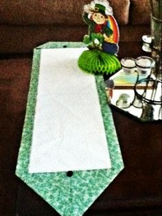 St Patrick's Day table 10 minute table runner