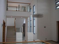 5 bed brand new contemporary villa facing the lake in Quinta...