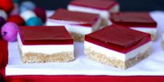 Nothing says Christmas like this festive jelly slice. With a buttery biscuit base, creamy filling and a bright jelly topping, both adults and kids will love it as a sweet treat this festive season. And to top it off, this slice is super-easy to make. Jelly Recipes, Sweet Recipes, Dessert Recipes, Jello Desserts, Baking Desserts, Bar Recipes, Easy Desserts, Baking Recipes, Recipies