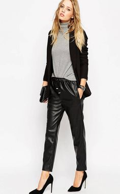 Discover the latest women's leather trousers with ASOS. Shop our range of leather leggings, tube pants, high-waisted and skinny trousers. Order today at ASOS. Leather Joggers, Leather Pants Outfit, Jogger Outfit, Jogger Pants, Trousers Women, Pants For Women, Black Trousers, Lederhosen Outfit, Asos