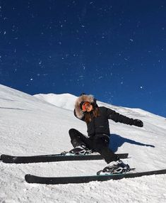 """""""dreaming about a skiing trip ⛷🏔"""" Ski And Snowboard, Snowboarding, Photo Ski, Ski Fashion, Arab Fashion, Sporty Fashion, Sporty Chic, Fashion Women, Winter Fashion"""