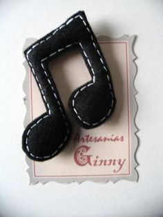 buyable music note brooch: made from felt - seen on broche de fieltro broches de fieltro fieltro,relleno,hilo artesanal a mano, Felt Crafts, Fabric Crafts, Sewing Crafts, Christmas Crafts, Christmas Ornaments, Diy Crafts, Music Ornaments, Felt Ornaments, Music Crafts
