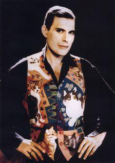 Freddie Mercury  1991: the cat vest