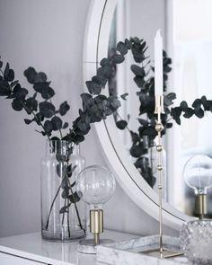 marble tray eucalyptus white and silver console table decor entryway ideas luxe entryway Home Decor Bedroom, Entryway Decor, Living Room Decor, Entryway Ideas, Apartment Entryway, Entryway Console, Interior Livingroom, Hallway Ideas, Hallway Decorating