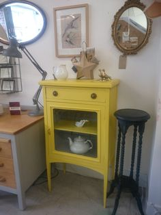 Elegant Edwardian glass cabinet in English Yellow with Paris Grey Chalkpaint ™ interior. Display Cabinets, Paris Grey, Chalk Paint, English, Elegant, Yellow, Glass, Interior, Table