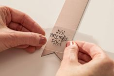 Sending party guests home with a beautiful and useful party favor is a great way for them to remember the special occasion! A simple leather bookmark is cut with Cricut Maker® and embellished… Cricut Craft Room, Cricut Vinyl, Vinyl Crafts, Vinyl Projects, Ideias Diy, Cricut Tutorials, Cricut Creations, Cricut Design, Things To Sell