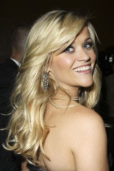 Reese Witherspoon's Hair. So pretty!